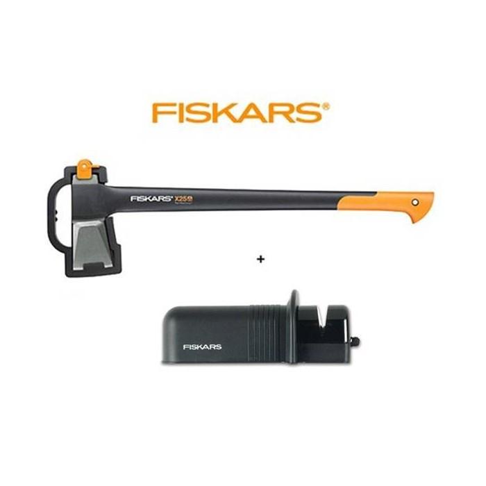 FISKARS Sekera Fiskars X25 štípací, plastové pouzdro 122480 + brousek Solid - SET Fiskars 122480 a 120005